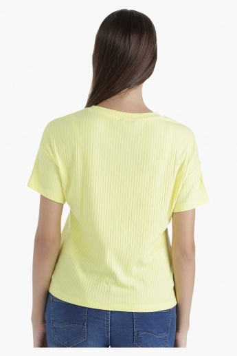 Graphic Ribbed T-Shirt with Round Neck and Short Sleeves in Regular Fit