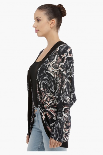 Printed Shrug with Bat Sleeves
