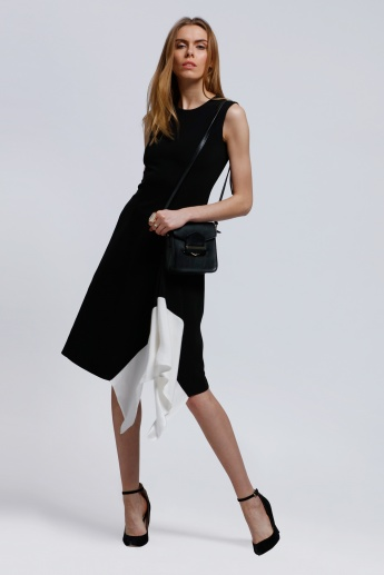 Sleeveless Dress with Round Neck and Asymmetric Hem