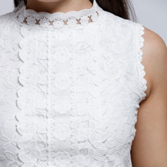 Elle Sleeveless Lace Top with Key Hole Closure