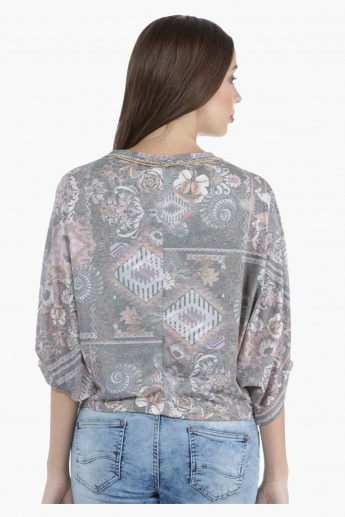 Lee Cooper Printed Oversized Top with 3/4th Dolman Sleeves in Regular Fit