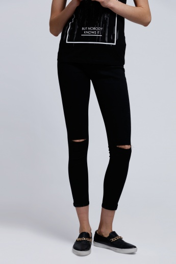 Distressed Jeggings with Side Slits