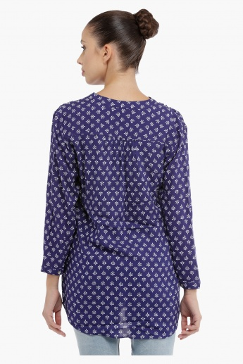 Printed Long Sleeves Top with V-Neck