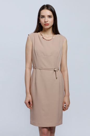 Sleeveless Dress with Round Neck