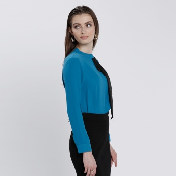 Top with Long Sleeves and Keyhole Closure