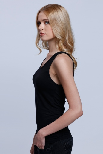 Round Neck Sleeveless T-shirt