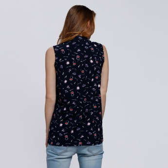 Printed Sleeveless Shirt with Complete Placket