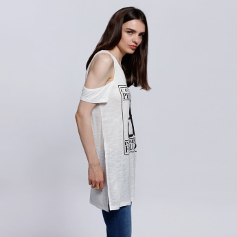 Printed Top with Round Neck and Cold Shoulders