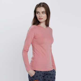 T-Shirt with Round Neck and Long Sleeves