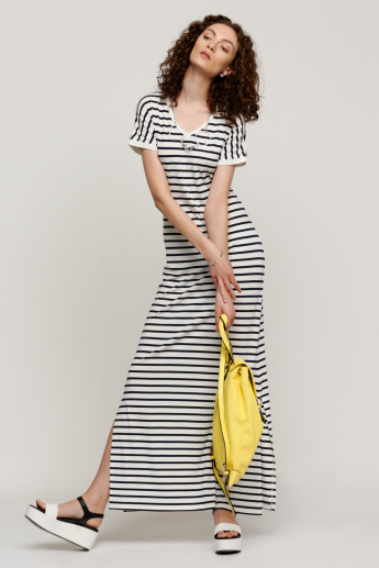 Striped Maxi Dress with V-Neck and Extended Sleeves