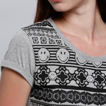Smiley World Printed T-Shirt with Short Sleeves and Round Neck