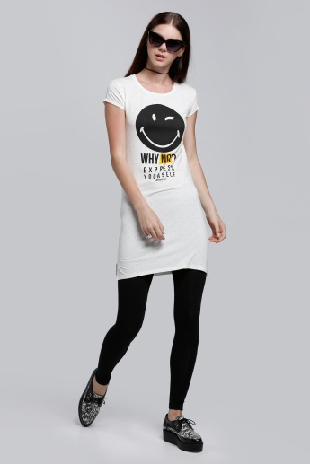 Smiley World Printed Long T-Shirt with Short Sleeves and Round Neck