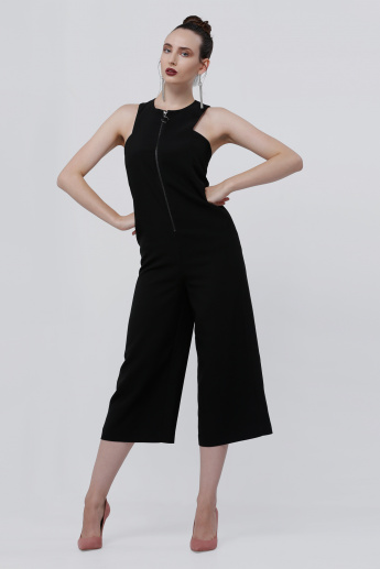 Sleeveless Jumpsuit with Zip Closure on the Front