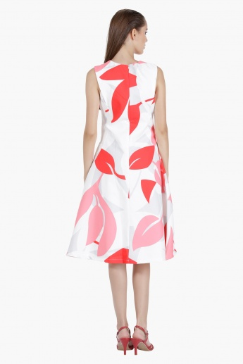 Abstract Print Skater Dress in Regular Fit