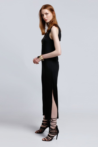2Xtremz Sleeveless Maxi Dress with Round Neck and Side Slit