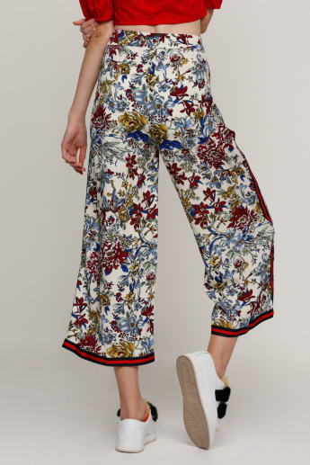 Printed Culottes with Hook Closure and Tape Detail