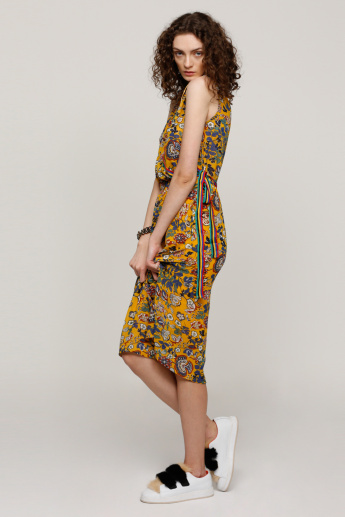 Printed Sleeveless Wrap Dress with Tape Detail
