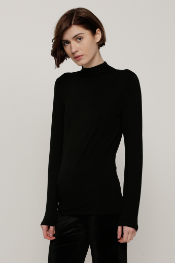 Plain T-shirt with Funnel Neck and Long Sleeves