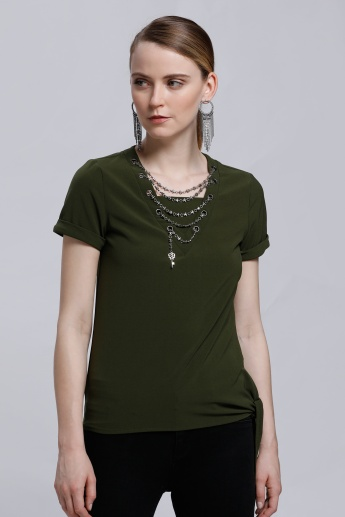 Short Sleeves Top with Chain Detail